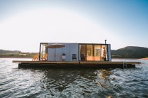 Floating-House-waterlilliHaus-by-SysHaus-deck-view