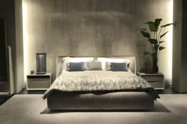 Frame-Bed-from-giorgetti-in-Grey