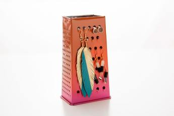 Grater-Caddy-Jewelry-Holder