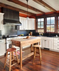 Inviting-rustic-ranch-house-kitchen