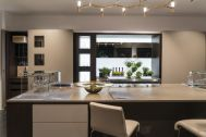 Kitchen-with-large-countetop-island