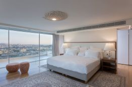 Large-windows-bedroom-decor