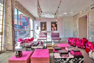 Pink-interior-design-Hello-Kitty