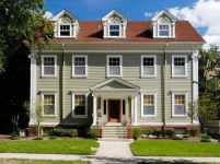 Traditional-accents-on-colonial-home