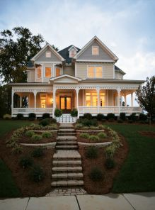 Victorian-Style-House-Exterior-Elevated-Design