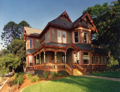 Victorian-Style-House-Exterior-with-Jewel-Tones