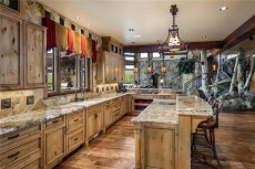 ranch-style-home-surrounded-by-beauty-in-Colorado-kitchen-decor