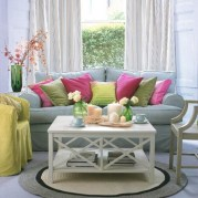 colorful-and-airy-spring-living-room-designs-3