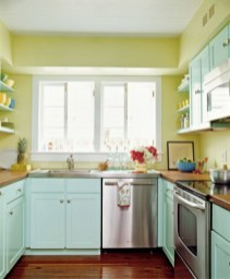 cute-and-colorful-kitchen