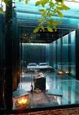 daring-glass-bedroom-design-ideas-17-554x809