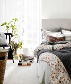 dreamy-spring-bedroom-decor-ideas-18-554x648