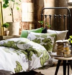 dreamy-spring-bedroom-decor-ideas-27