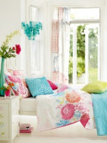 dreamy-spring-bedroom-decor-ideas-5