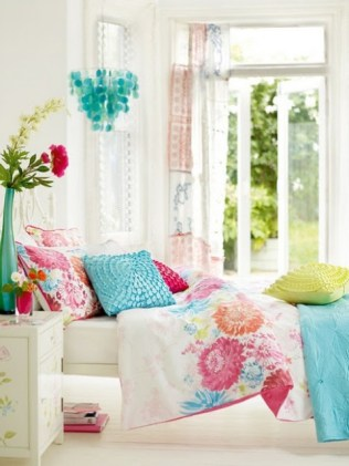 dreamy-spring-bedroom-decor-ideas-5