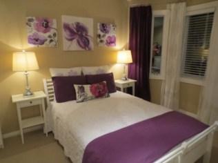 purple-accents-in-bedroom-6-554x415