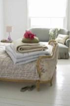 romantic-and-tender-feminine-bedroom-designs-4