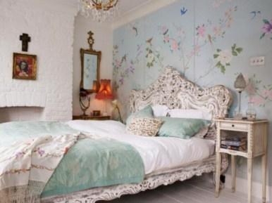romantic-and-tender-feminine-bedroom-designs-5-554x415
