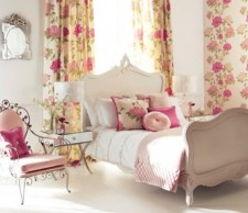 romantic-and-tender-feminine-bedroom-designs-62-554x479