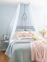 romantic-and-tender-feminine-bedroom-designs-65
