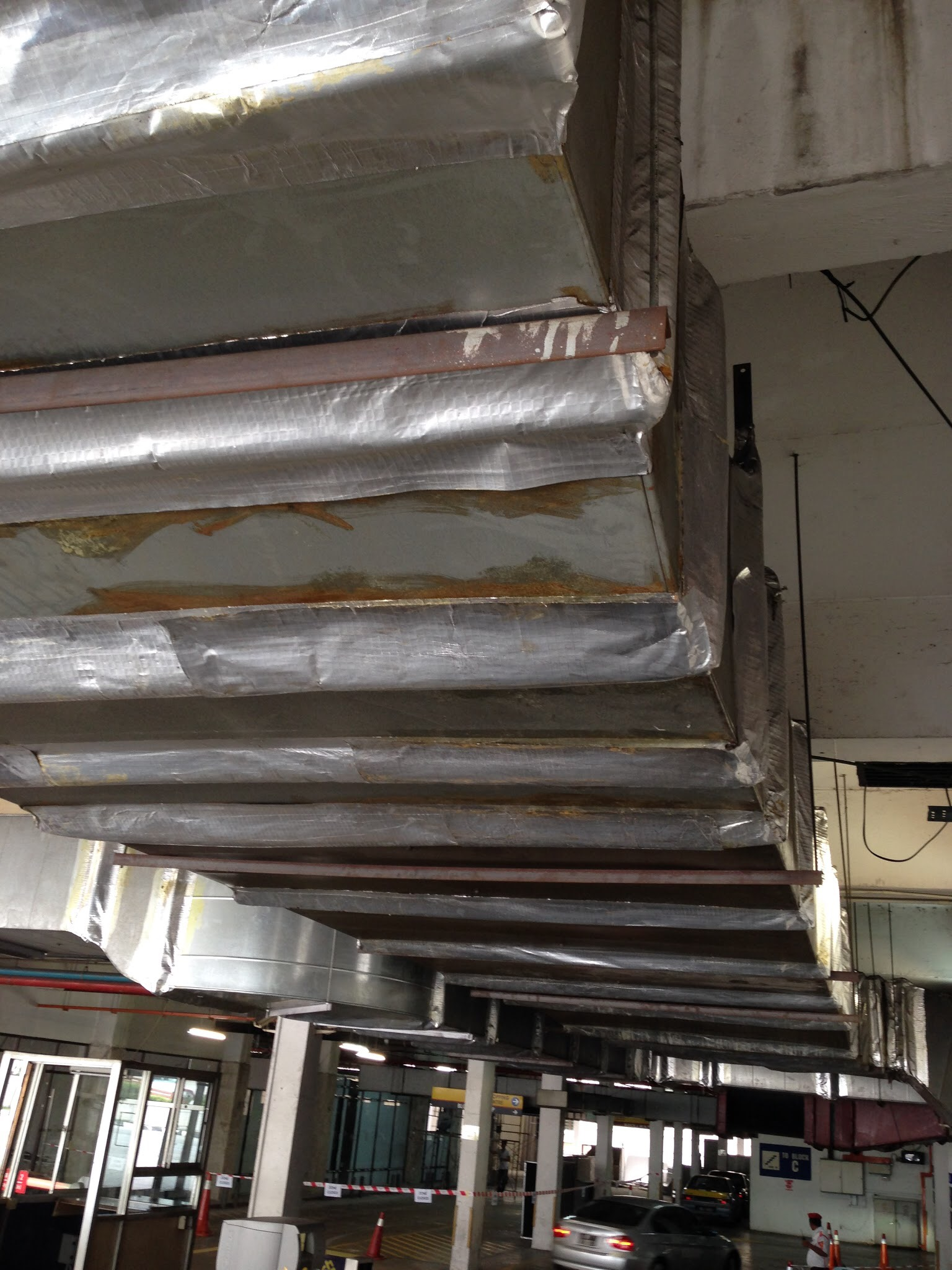 leaky kitchen exhaust duct