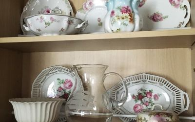 How to organize kitchen cupboards to display china