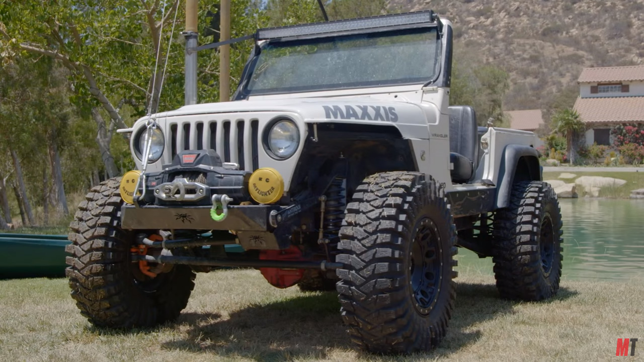 hight resolution of jeep wrangler with a cummins i4 drives underwater