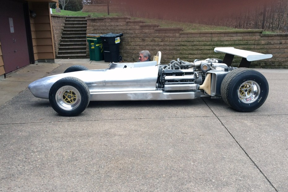 Garage F1 V12 From Two Toyota 1JZ I6 Engines