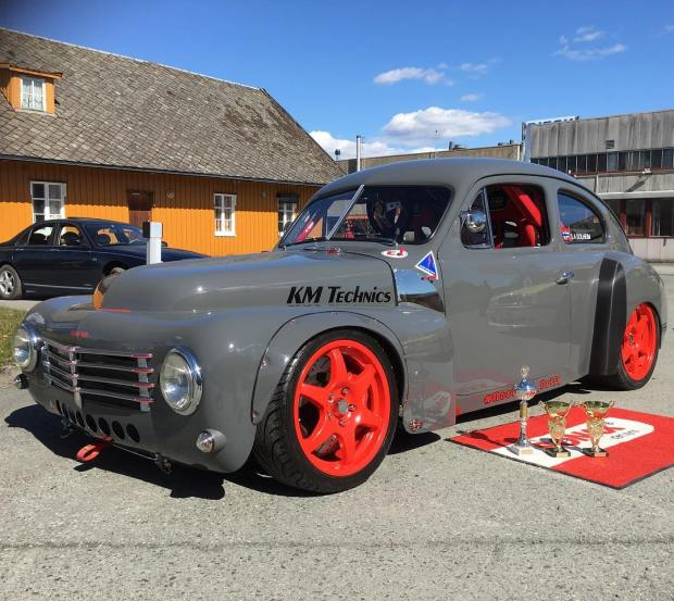 1953 Volvo PV444 with a 3.4 L 2JZ
