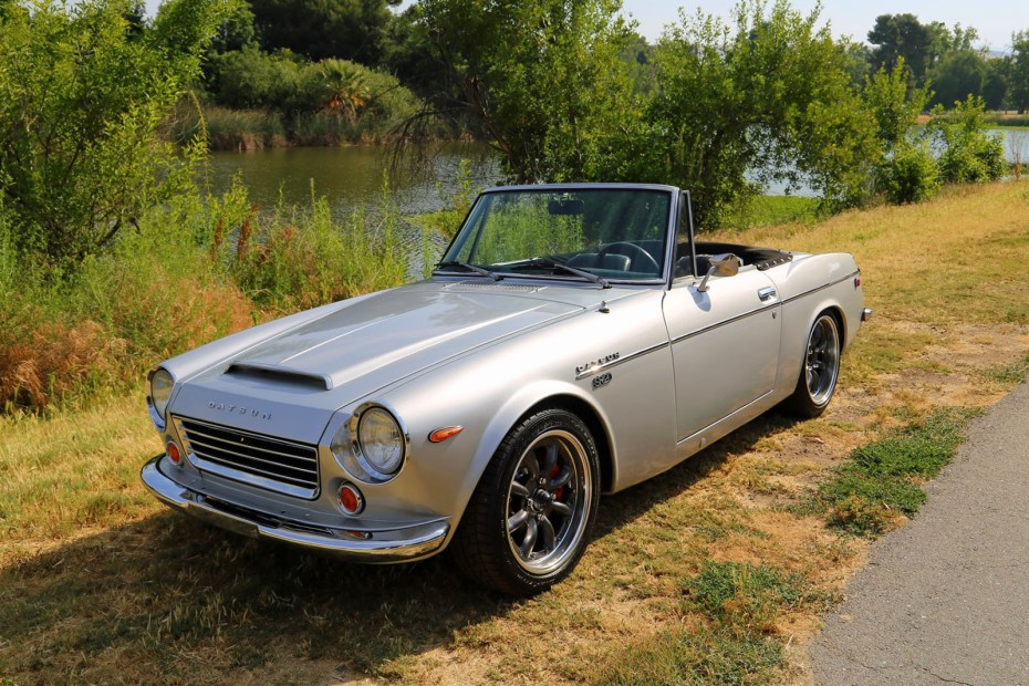 1969 Datsun 1600 roadster with a SR20 inline-four
