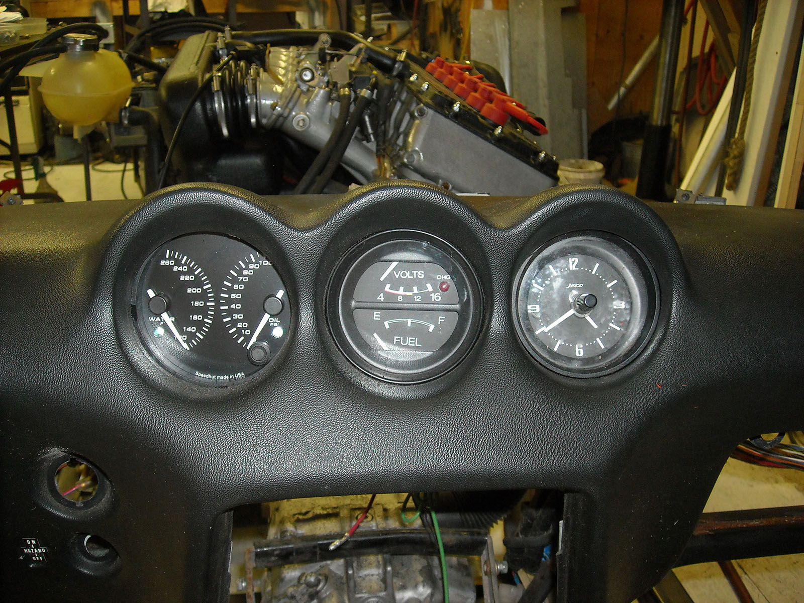 hight resolution of the braking system was completely rebuilt with new hard lines ss braided flex hoses and larger master cylinder from a 280z the front brakes use vented