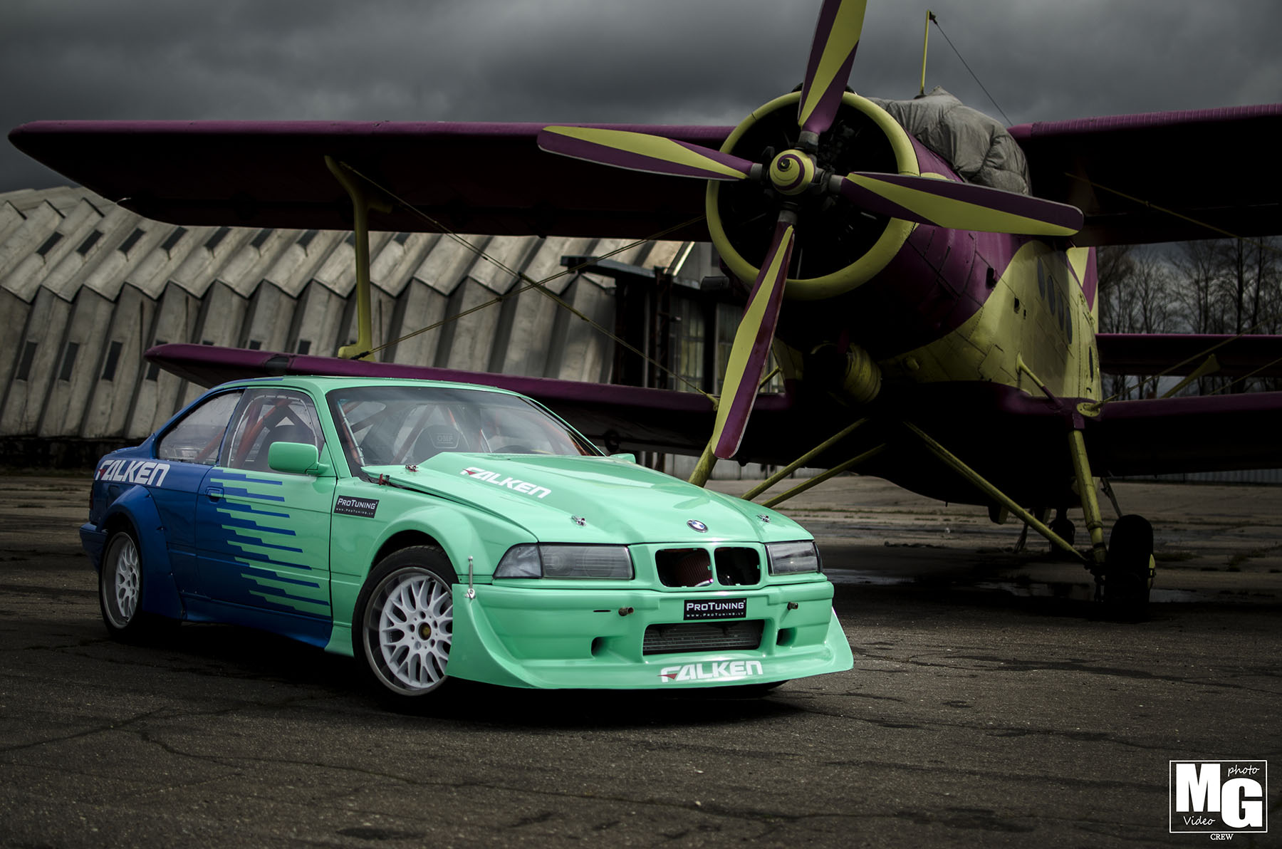 hight resolution of arturs miskinis may speak three languages but on the track his 1992 bmw e36 speaks only one the 27 year old from riga latvia competes under the falken