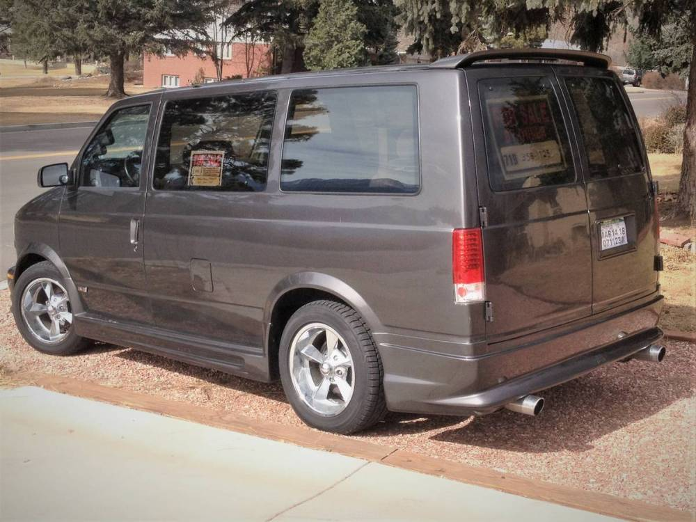 medium resolution of a previous owner replaced the factory 4 3 l v6 with a 5 7 l lt1 gen2 v8 the van also has an awd drivetrain and towing package chevy astro
