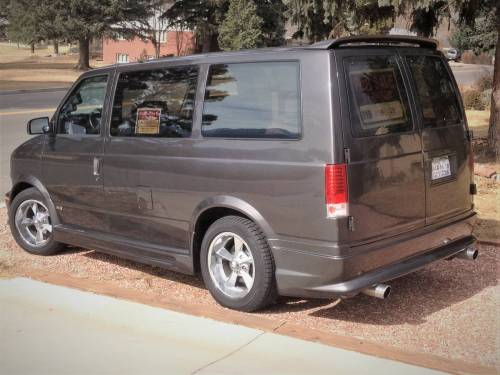 small resolution of a previous owner replaced the factory 4 3 l v6 with a 5 7 l lt1 gen2 v8 the van also has an awd drivetrain and towing package chevy astro