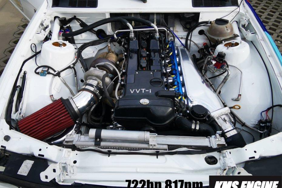 BMW E30 with a 722 hp turbo 2JZ inline-six