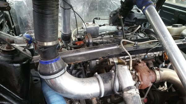 Twin-Engine Volvo 850 with a twin-charged inline-five