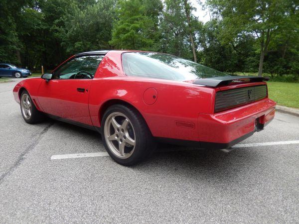 1983 Pontiac Firebird with a LS1 V8