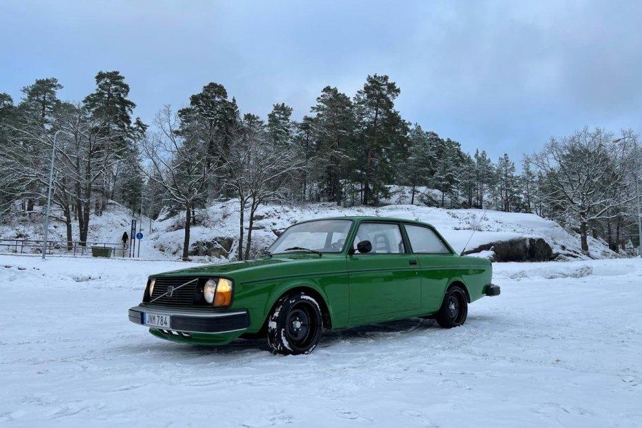 1976 Volvo 242 with a BMW M60 V8