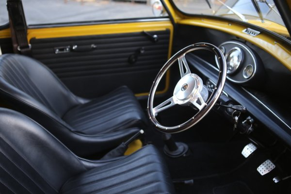 interior of a 1976 Mini built by Mcgee's Custom Minis