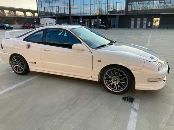 1998 Integra Type R with a K20 inline-four