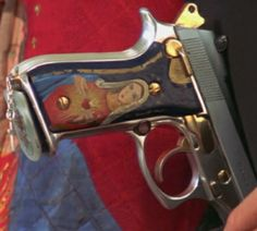 If hand-guns were common place in the Elizabethan era, they would most certainly look like this.