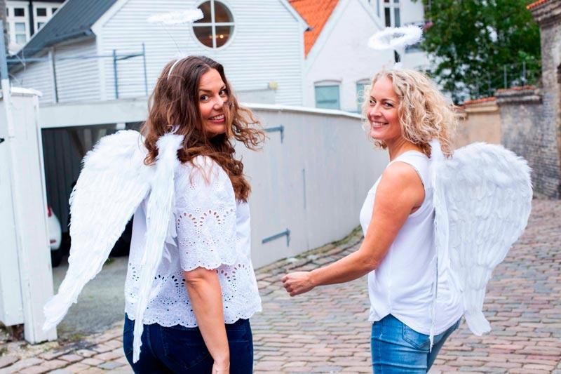 Line og Louise, Engleskolen Danmark