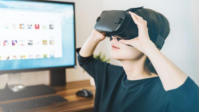 VRで新感覚の英語学習【VR英会話ができるスクールもセットで解説】
