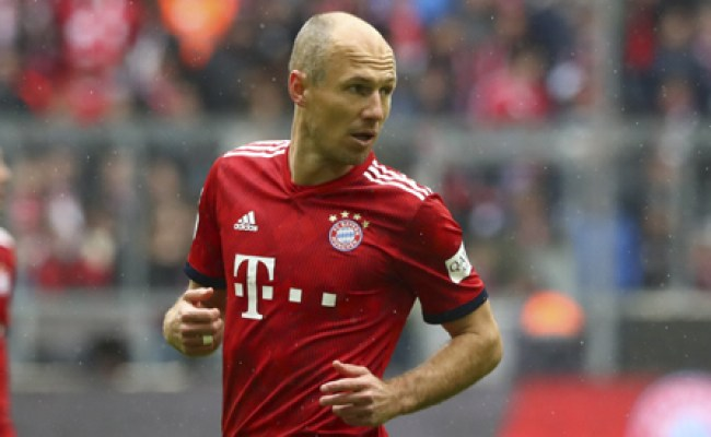 Robben Comes Out Of Retirement To Sign For Boyhood Side