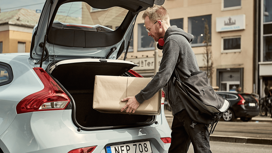 Volvo's in-car delivery service will bring packages to your trunk
