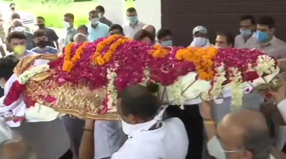 Former Samajwadi Party leader Amar Singh cremated in Delhi on August 3