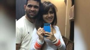 'बिग बॉस 14': सारा गुरपाल ने पंजाबी गायक तुषार कुमार से शादी की?  उनकी तस्वीरें वायरल होती रहती हैं