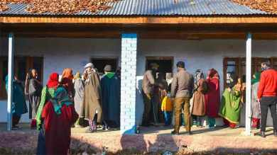 Last phase of DDC election in 28 constituencies underway in Jammu and Kashmir
