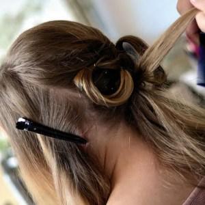 سردیوں میں خشک اور گرتے بالوں کی دیکھ بھال کے 8 اہم ٹپس