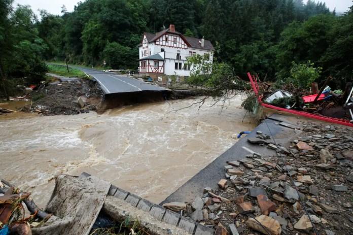 जर्मनी और बेल्जियम में बाढ़ से मरने वालों की संख्या बढ़कर 170 हुई