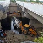 29 killed in bus crash on Indian expressway